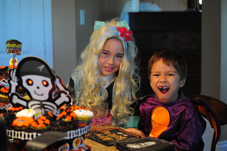 party-halloween-photoshoot-kids